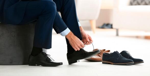Beratung bei Herrenschuhen in unseren Geschäften
